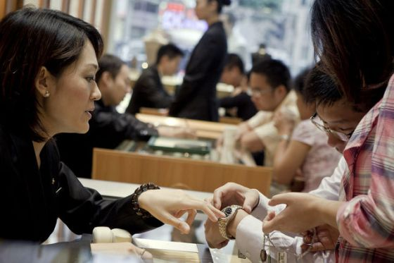Customer-buying-luxury-watch-in-China-photo-Bloomberg