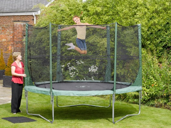 8ft_fun_trampoline_and_3g_enclosure_30167
