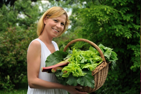 woman-with-garden-greens